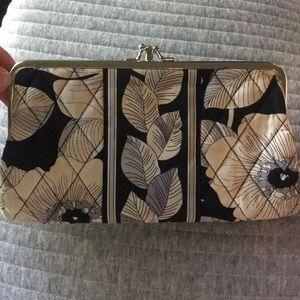 Vera Bradley wallet / clutch